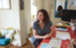 Découvrez Julie Zeitline au cœur de son atelier parisien