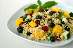 Mango_blueberry_quinoa_salad_4