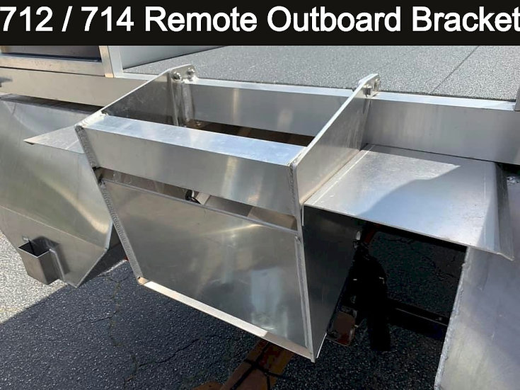 Installed 712 / 714 Remote Outboard Bracket