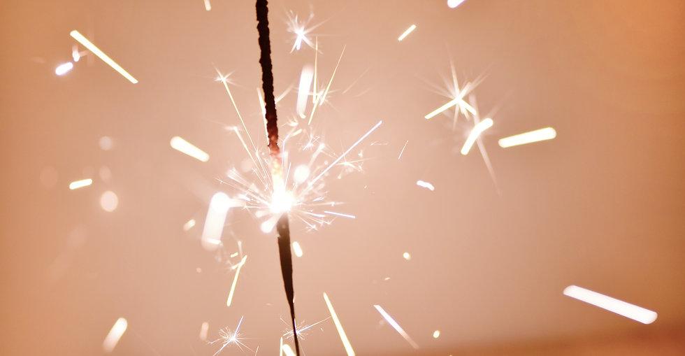 bengal-lights-sparkling-light-H7GTTK4_ed