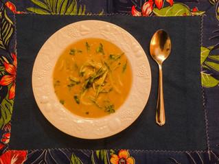 Sopa de batata-doce, inhame e espaguete de abobrinha