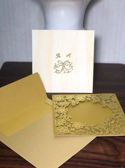 Convite dourado corte a laser