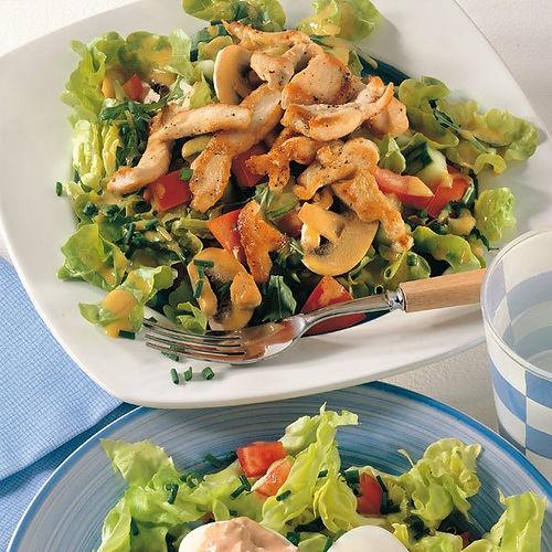 3716-gemischter-salat-mit-gebratenem-huhn_edited.jpg