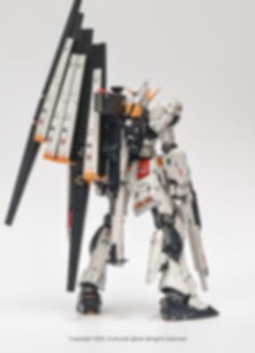 NU+GUNDAM_003.jpg