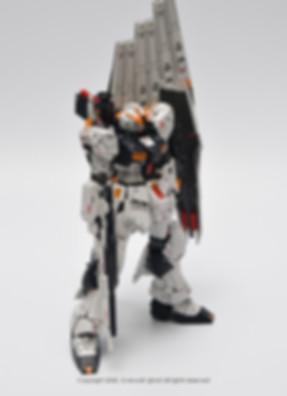 NU+GUNDAM_004.jpg