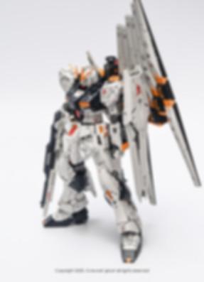 NU+GUNDAM_002.jpg