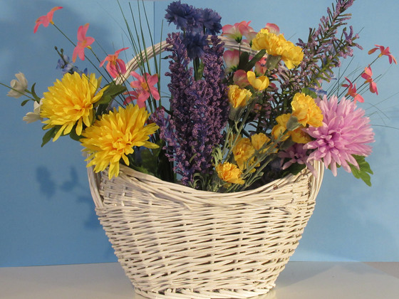 Dollar Store Spring Flower Basket for Under $25.00