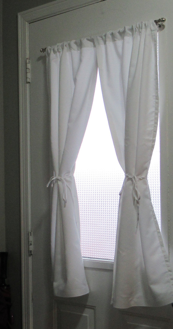 Simple & Stylish Small Window Privacy Project for Under $25