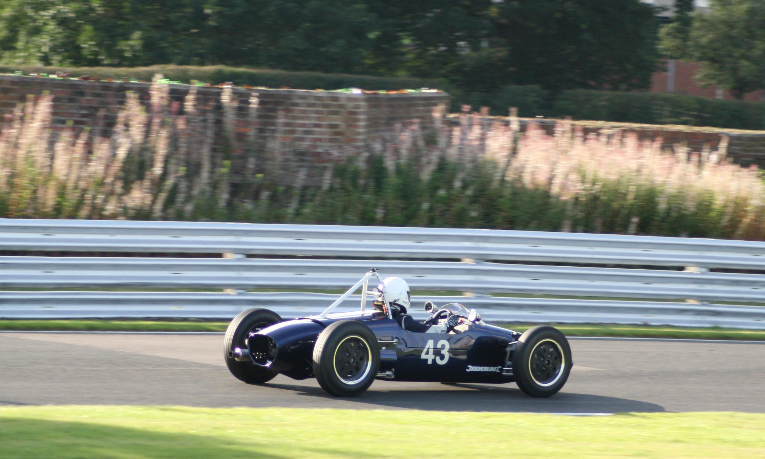 Formula Junior Envoy