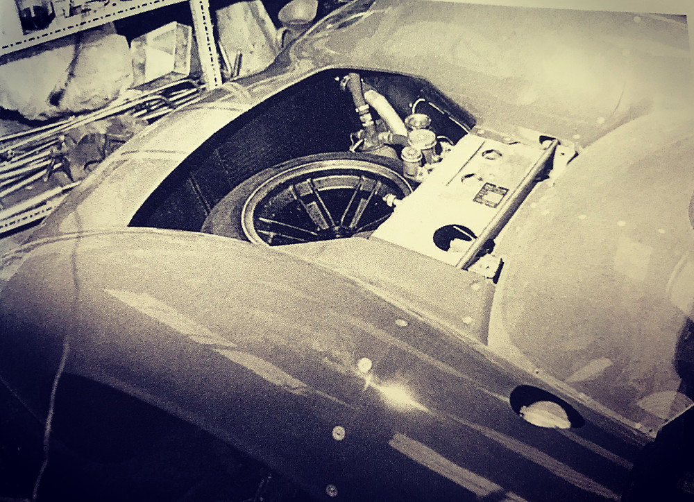 Lola T70 MKI - Spare Wheel in Nose (Group 9 Rules)