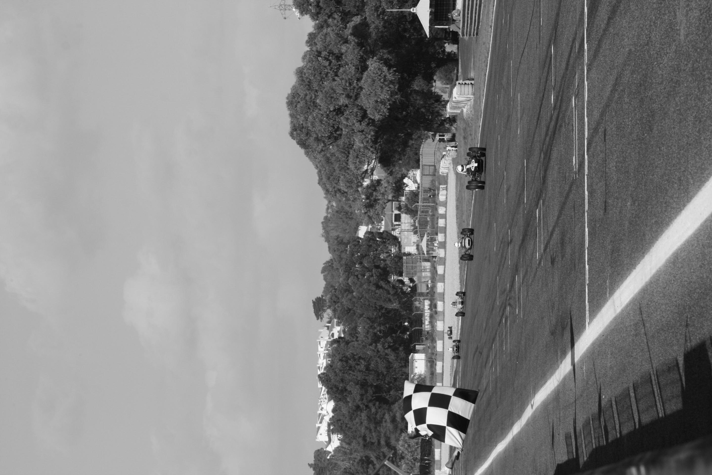 Ian Simmonds finishes Estoril