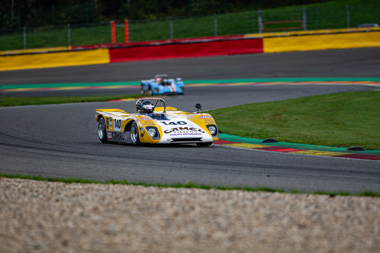 Lola T212 Goncalo Gomes and James Clarid