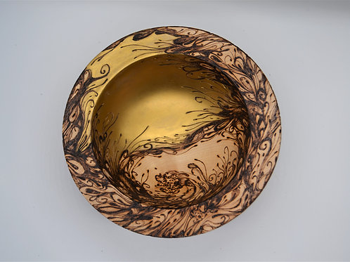 Primitive Woodland Line-bowl with gold