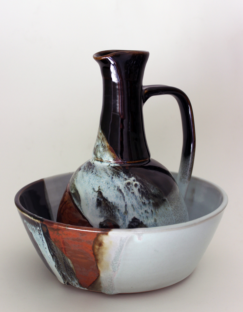 Jug and bowl set