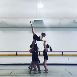Lift ideas for your Tuesday night! Courtesy of _psulionettes 💙💃🤸🏼♀️#synergydancellc #lifts #cho