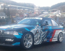 BMW E36 waiting for action