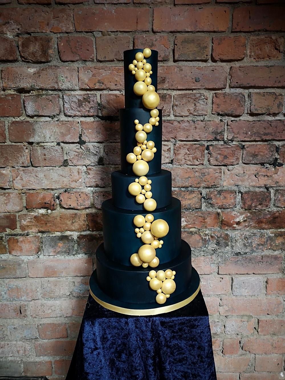 Urban Cakehouse _ Classic Blue & Gold Wedding Cake