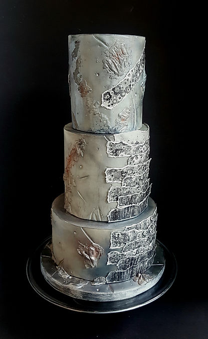 distressed sliver 3 tier wedding cake