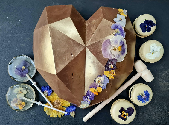 Edible Flower Golden Geometric Heart