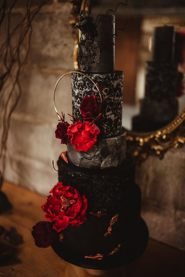 Organic Edible Flower Wedding Cake