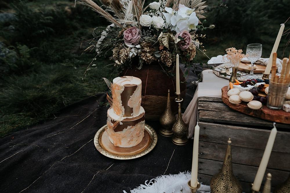 wedding cake, gold wedding cake, boho wedding cake