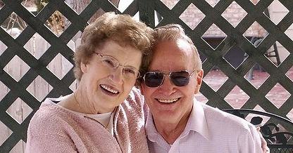 old-couple-2261495_960_720-e150610998038