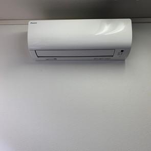 8月のエアコン設置工事承ります!