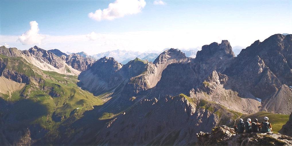 Monday Mountains Christina Döderer Berge Frauen