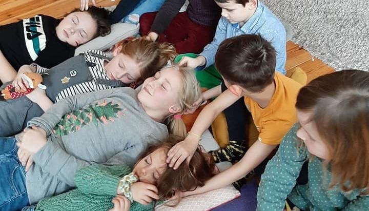 Happy Kids Massage Trainer