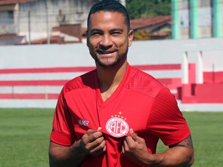 Volante Felipe Guedes assina e já treina no América/RN