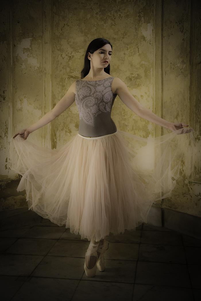 Ballerina Vignette