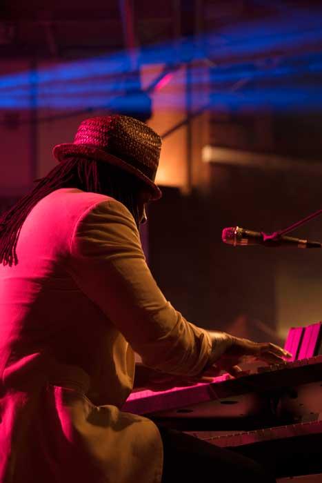 Joe Louis Walker Keyboardist
