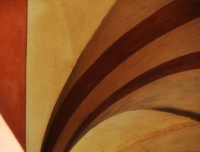 Diagonal Stripes Portico