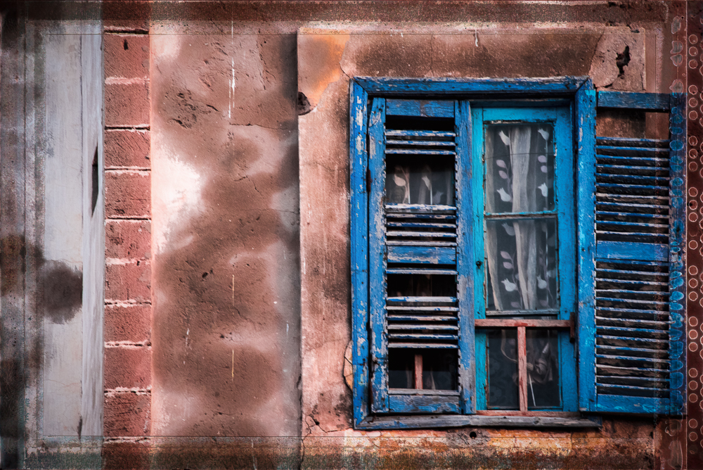 Essaouira Gritty Window