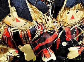 harvest_dolls_thanksgiving_straw.jpg