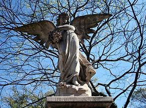 cemetery_tomb_art_sculptures_3.jpg