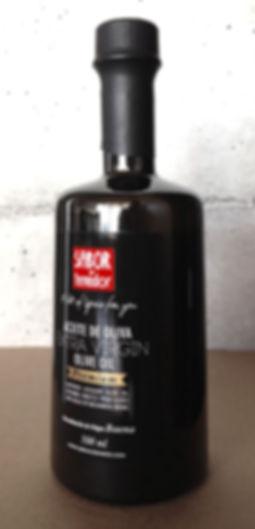 Logotipo y etiqueta de aceite marca Sabor y Tenedor realizados por Trafico Grafico