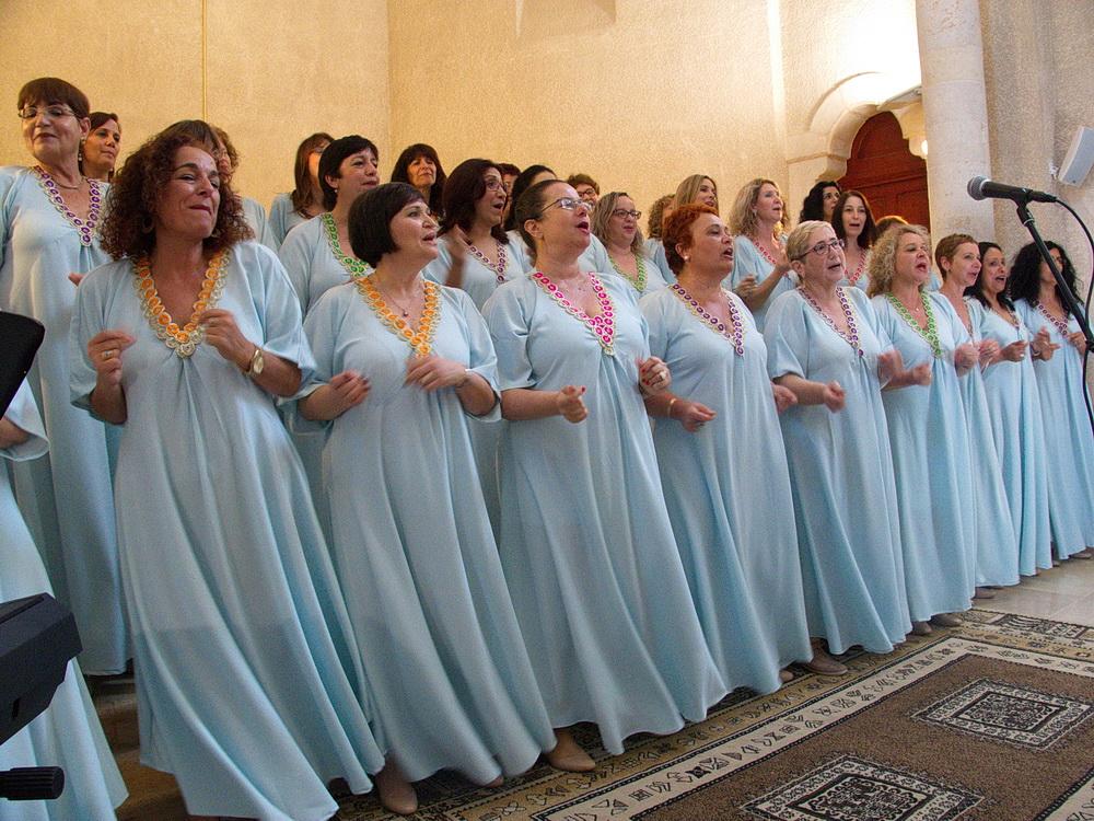 בהופעה במנזר האחיות ציון, עין כרם