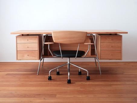 南相木村の村長室に家具を納品いたしました。