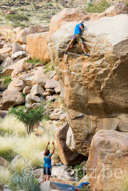 Nils Favre climbing picture Namibie