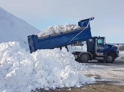 Transport de neige, camion 12 roues