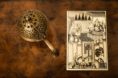 Mughal Horsemen Box