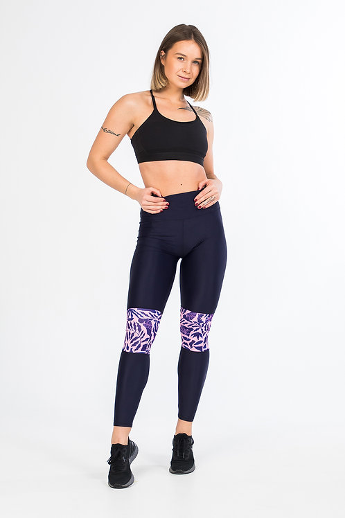 Workout leggings in dark blue with unique printed detail