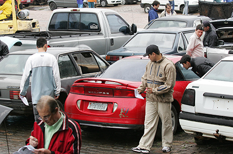 A importância de se fazer uma vistoria no carro antes de comprar - Riscos - Carro de leilão