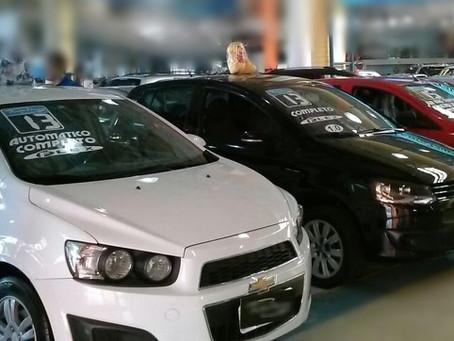 A compra de um carro seminovo envolve riscos. Avaliar um automóvel antes de fechar negócio é a garan