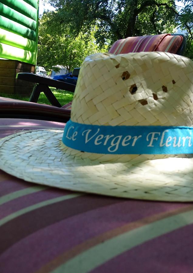 Verger fleuri hat