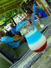 Cocktail blau weiß rot