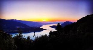 Lake Annecy bei Nacht