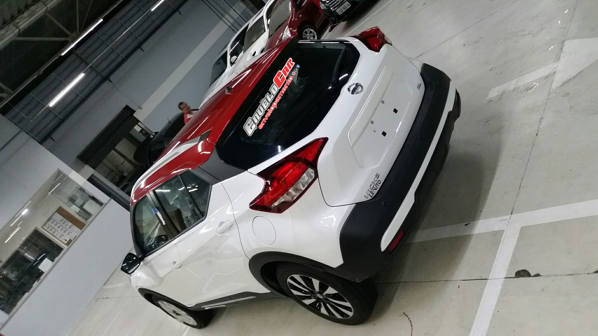 Envelopamento teto Nissan Kicks