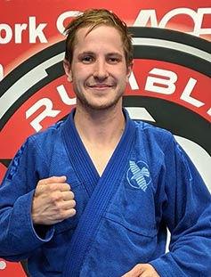 thumb-coach-spencer-bjj-blue-belt-keswic